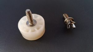 Thread forming insert, screw manufacturer, screw for plastic
